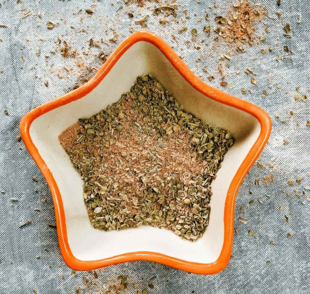 meditarranean spice mix in a bowl