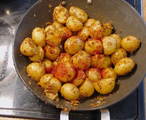 Chilli powder and new potatoes